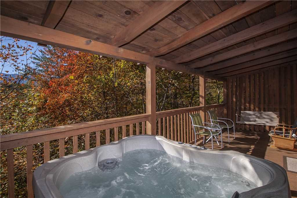 Photo of a Gatlinburg Cabin named Lover's View - This is the twenty-first photo in the set.
