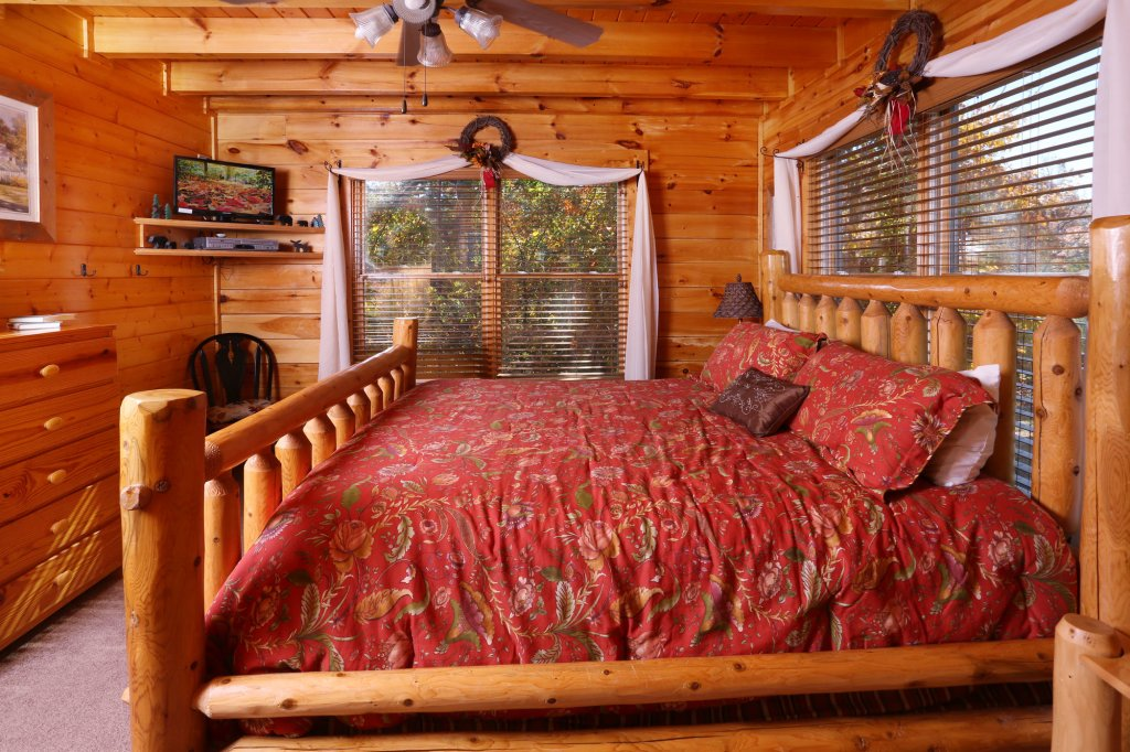 Photo of a Sevierville Cabin named His Amazing Grace - This is the seventeenth photo in the set.