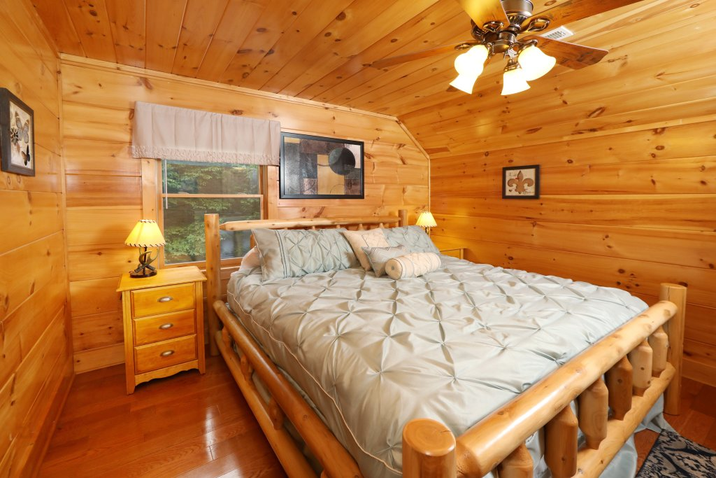 Photo of a Sevierville Cabin named Majestic Manor - This is the thirtieth photo in the set.
