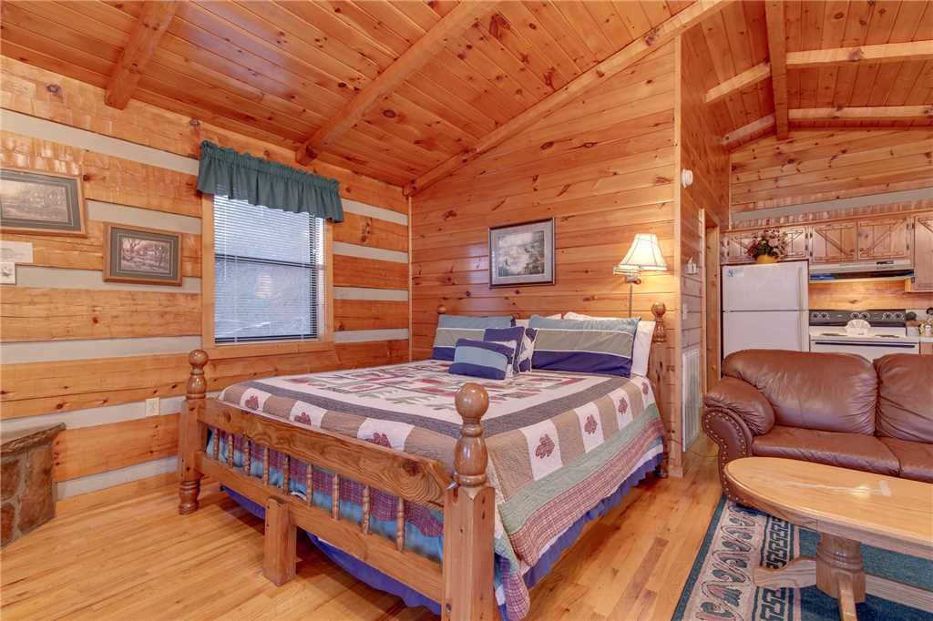 Photo of a Gatlinburg Cabin named Mountain Splendor - This is the eighth photo in the set.