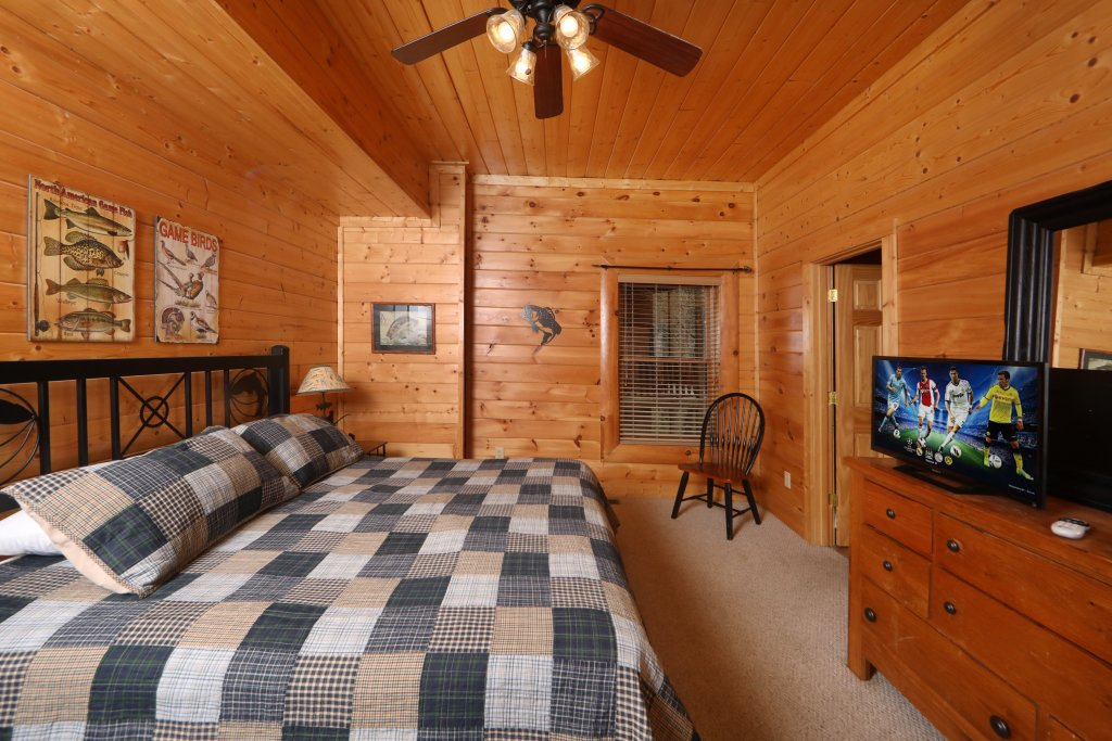 Photo of a Pigeon Forge Cabin named Echoes Of Eden - This is the twenty-fifth photo in the set.