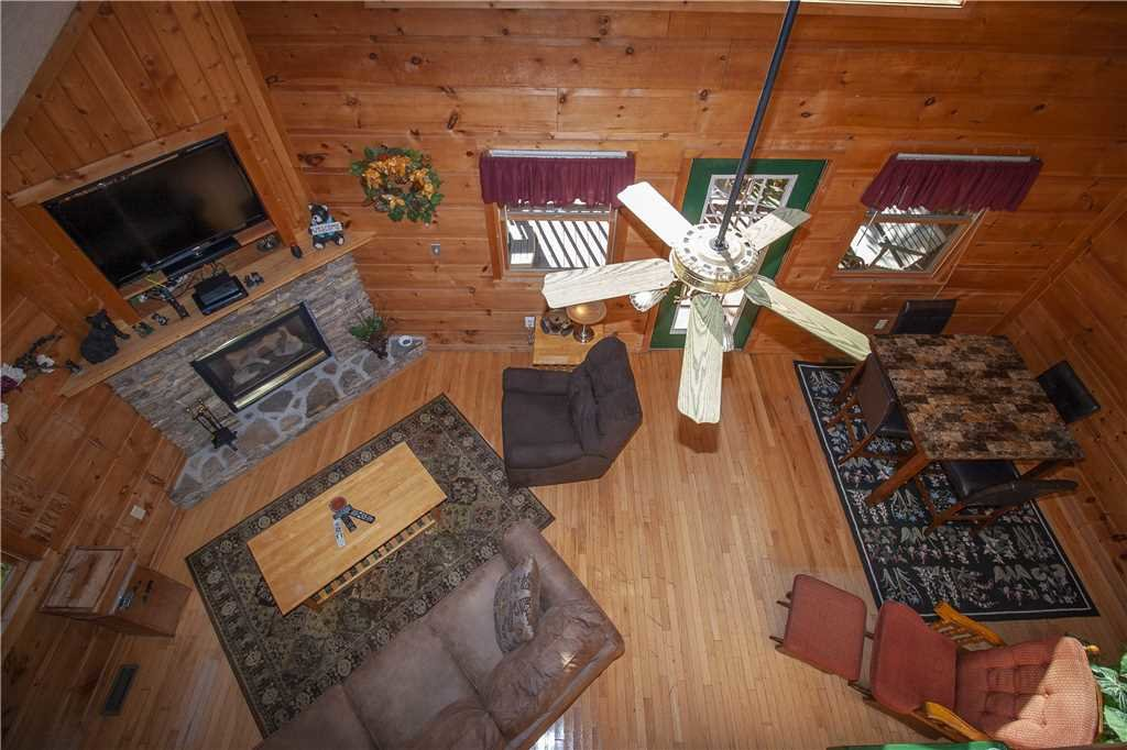 Photo of a Gatlinburg Cabin named Lover's View - This is the sixth photo in the set.