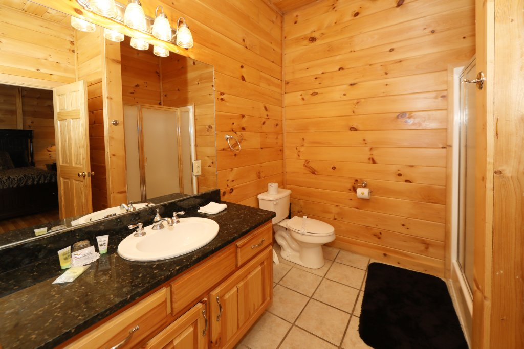 Photo of a Sevierville Cabin named Majestic Mountain Pool Lodge - This is the thirty-sixth photo in the set.