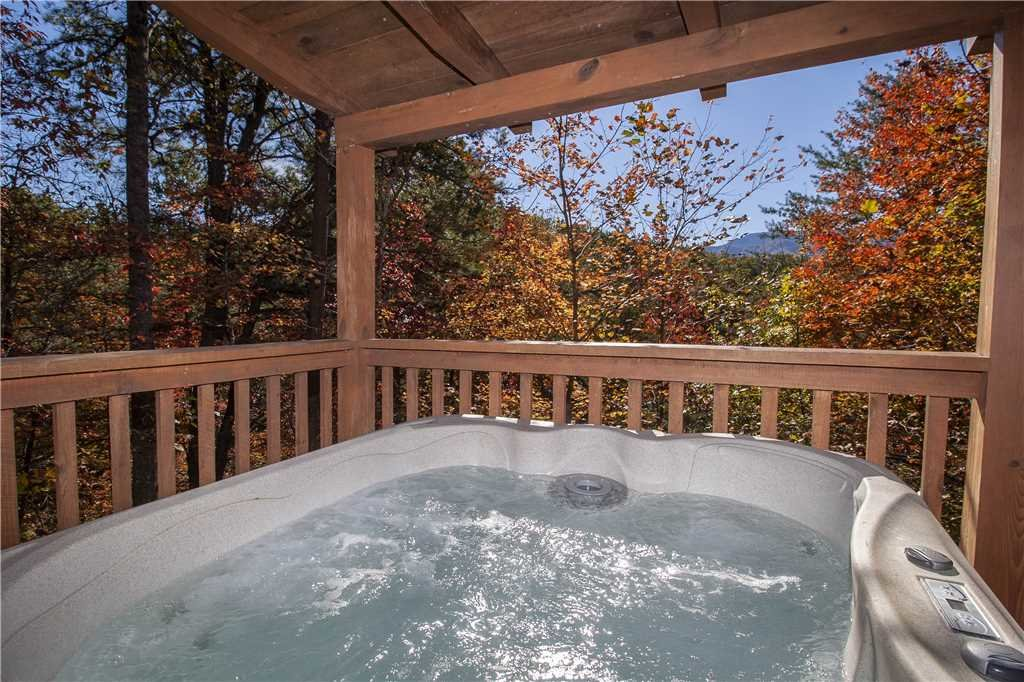 Photo of a Gatlinburg Cabin named Lover's View - This is the second photo in the set.