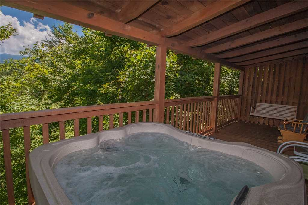 Photo of a Gatlinburg Cabin named Lover's View - This is the twentieth photo in the set.