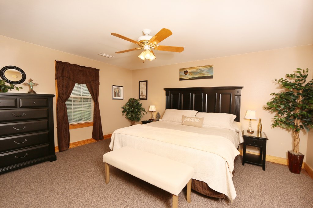 Photo of a Pigeon Forge Chalet named Pinnacle View 7b - This is the fifteenth photo in the set.
