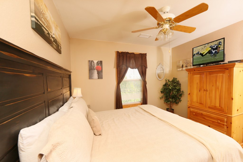 Photo of a Pigeon Forge Chalet named Pinnacle View 7b - This is the twentieth photo in the set.