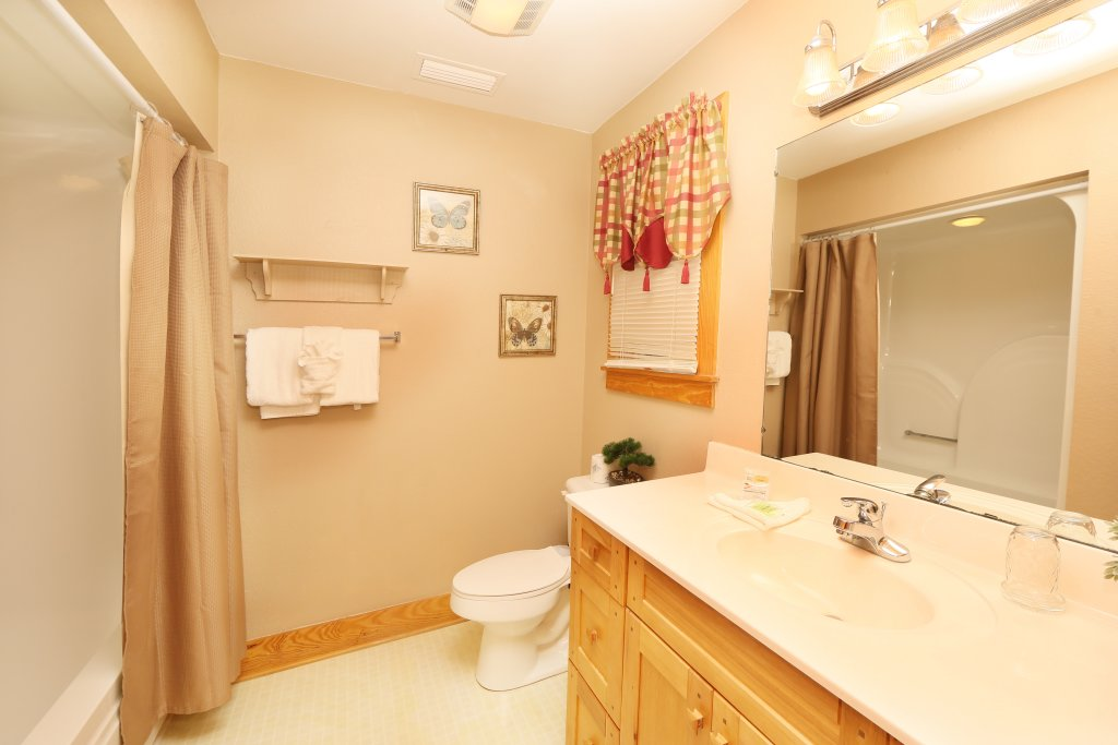 Photo of a Pigeon Forge Chalet named Pinnacle View 7b - This is the sixteenth photo in the set.