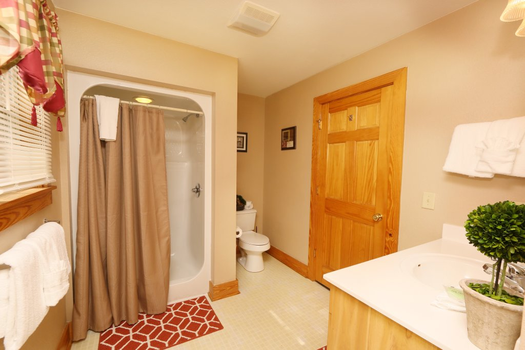 Photo of a Pigeon Forge Chalet named Pinnacle View 7b - This is the nineteenth photo in the set.
