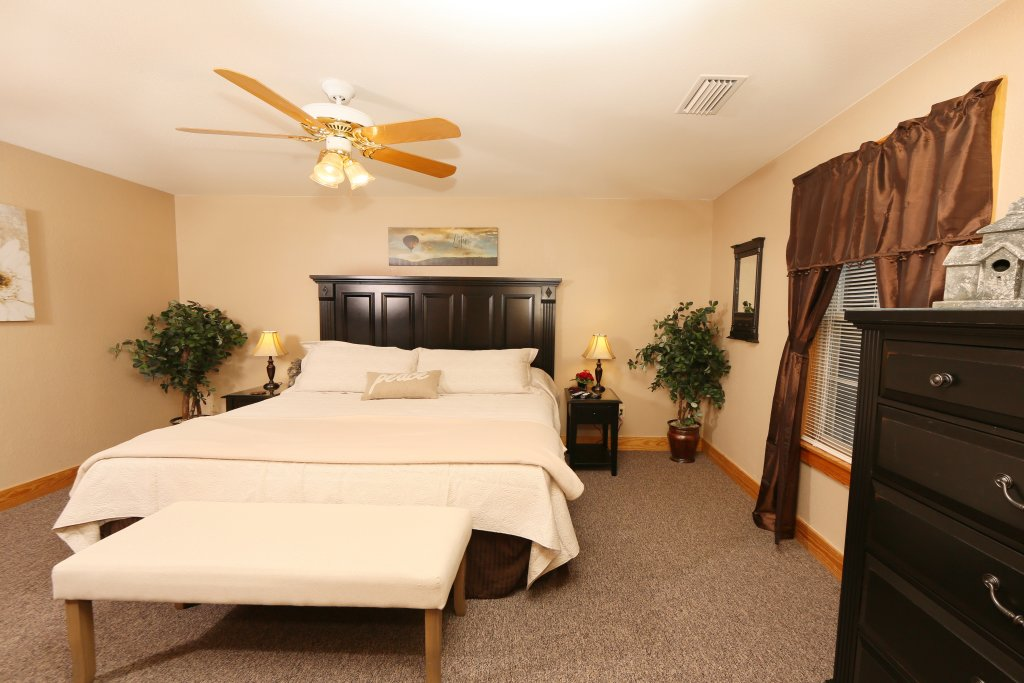 Photo of a Pigeon Forge Chalet named Pinnacle View 7b - This is the thirteenth photo in the set.