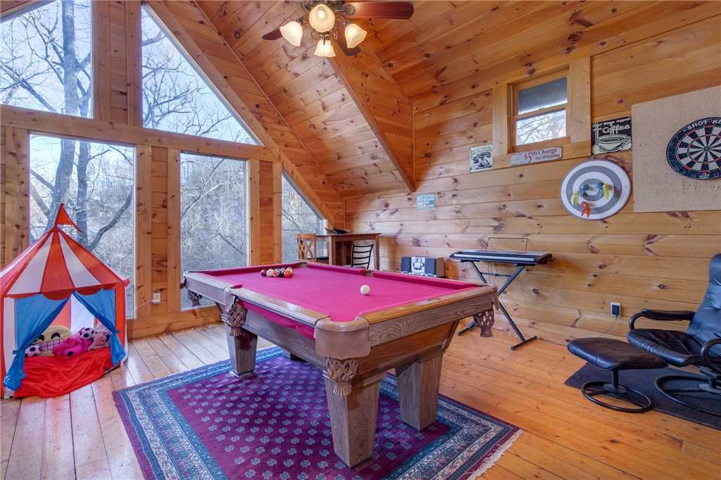Photo of a Sevierville Cabin named Wildwood Cove - This is the twelfth photo in the set.