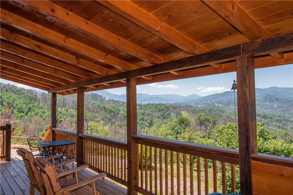 Photo of a Gatlinburg Cabin named Journey's End 2 - This is the first photo in the set.