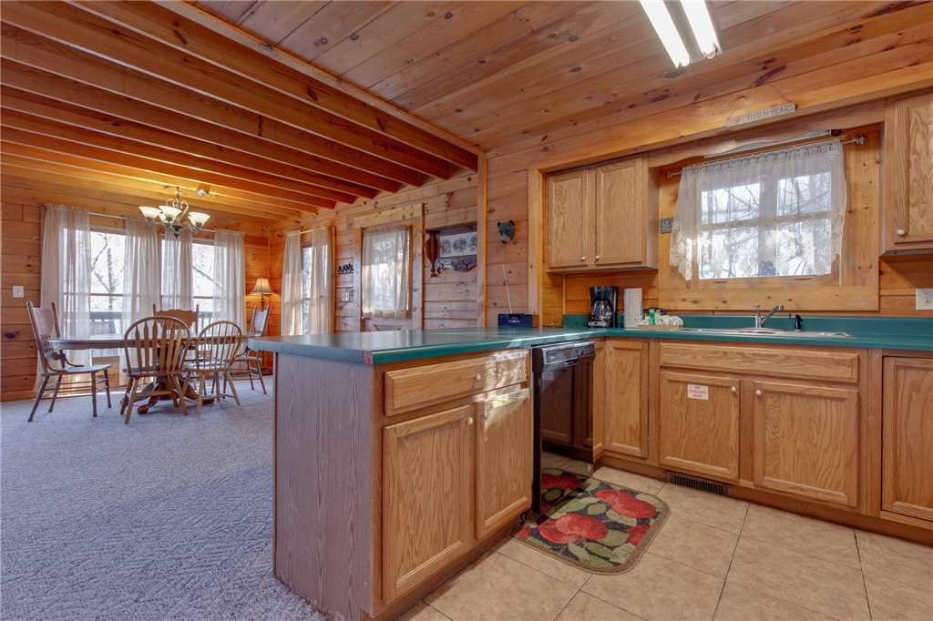 Photo of a Sevierville Cabin named Wildwood Cove - This is the tenth photo in the set.