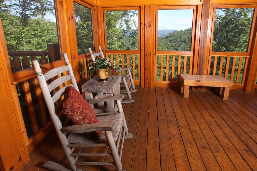 Photo of a Sevierville Cabin named Estate Of Relaxation - This is the fourth photo in the set.