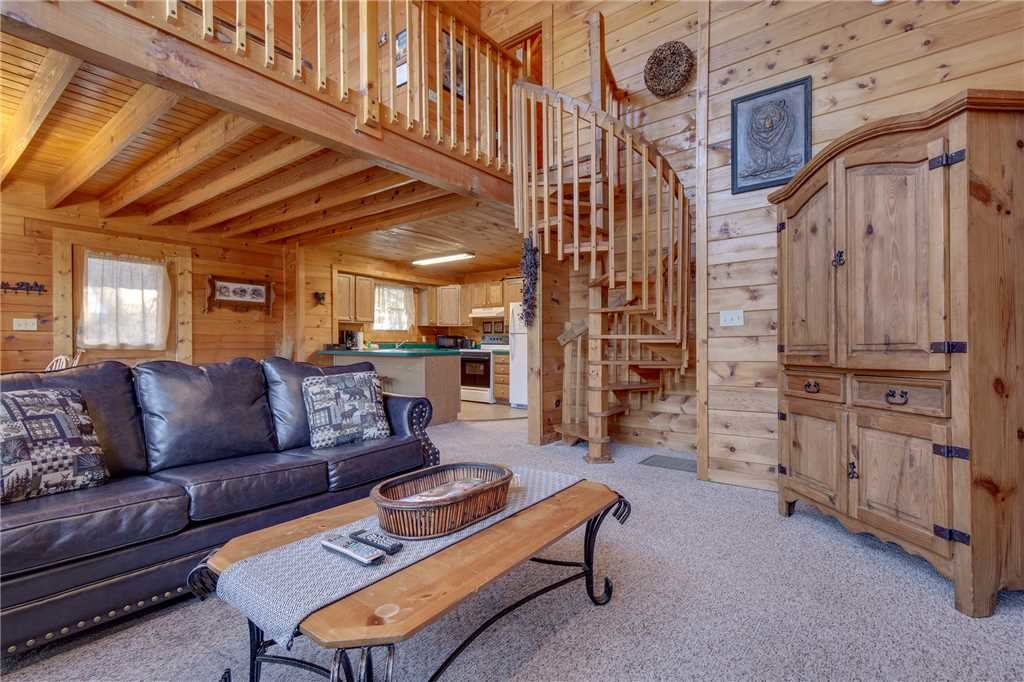 Photo of a Sevierville Cabin named Wildwood Cove - This is the sixth photo in the set.