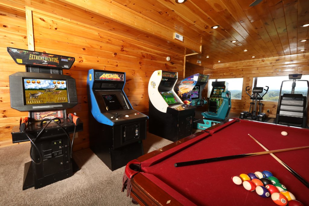 Photo of a Sevierville Cabin named Serenity Mountain Pool Lodge - This is the twenty-sixth photo in the set.