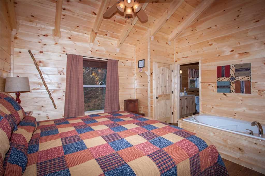 Photo of a Gatlinburg Cabin named Journey's End 2 - This is the twelfth photo in the set.