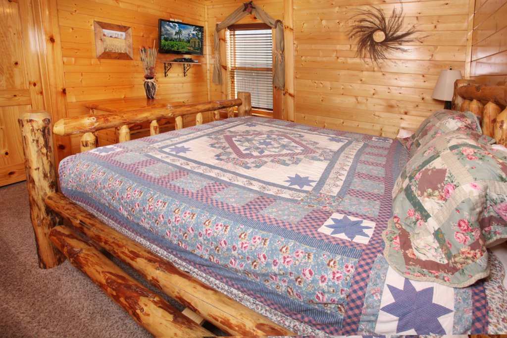 Photo of a Sevierville Cabin named Estate Of Relaxation - This is the twenty-first photo in the set.
