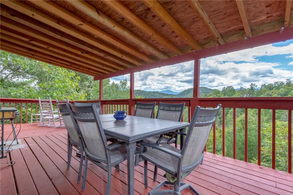 Photo of a Sevierville Cabin named Eagle Ridge - This is the eighteenth photo in the set.