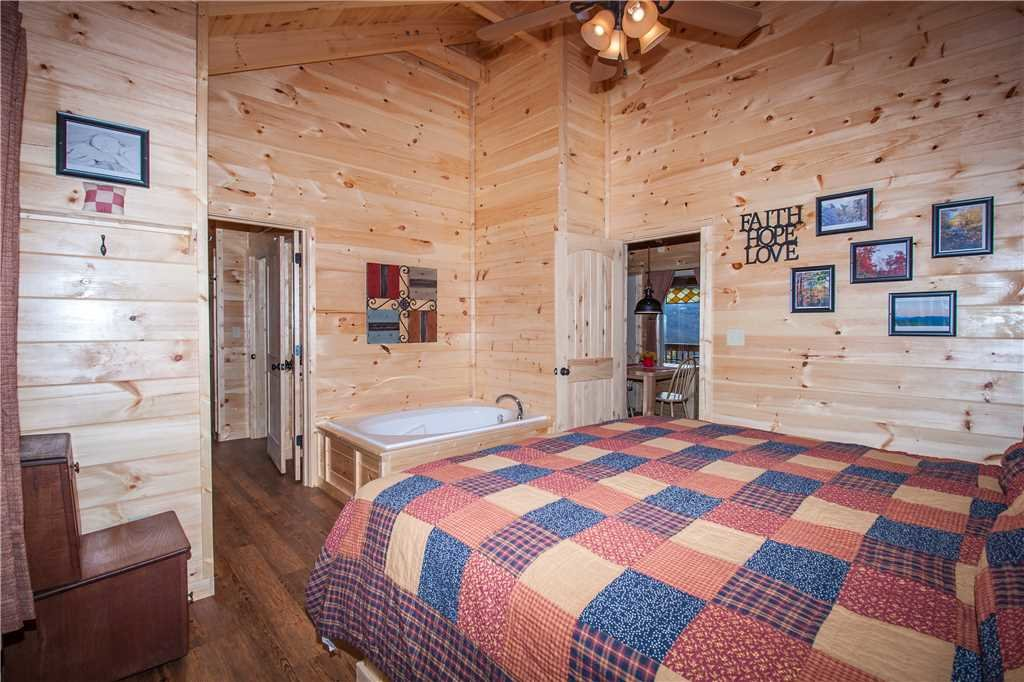 Photo of a Gatlinburg Cabin named Journey's End 2 - This is the thirteenth photo in the set.