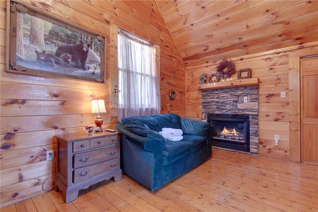Photo of a Sevierville Cabin named Wildwood Cove - This is the sixteenth photo in the set.