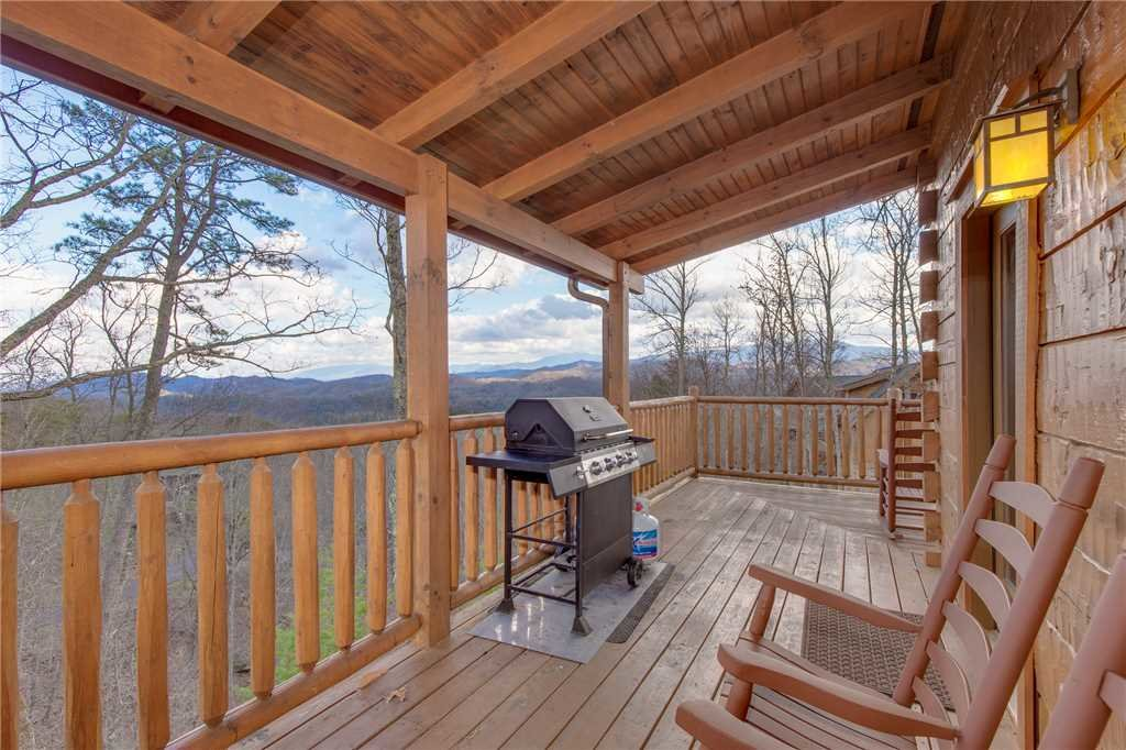 Photo of a Sevierville Cabin named Clear Blue Morning - This is the third photo in the set.