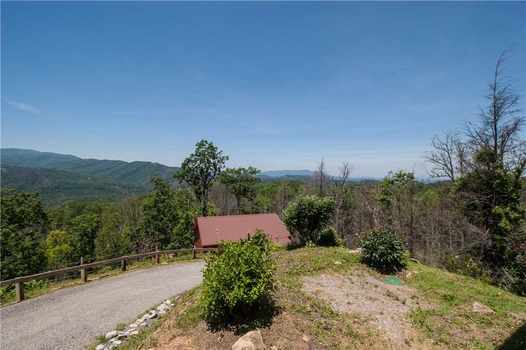 Photo of a Gatlinburg Cabin named Journey's End 2 - This is the sixteenth photo in the set.