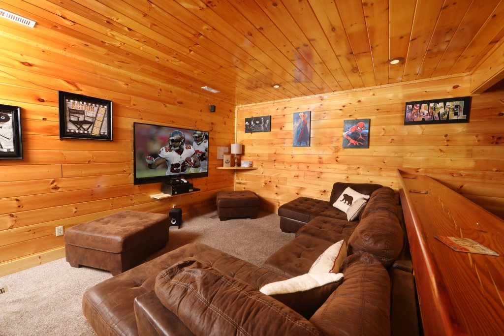 Photo of a Pigeon Forge Cabin named Playhouse Cinema - This is the forty-second photo in the set.