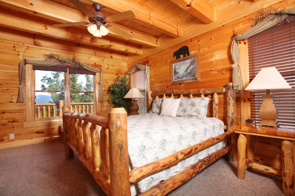 Photo of a Sevierville Cabin named Estate Of Relaxation - This is the thirty-third photo in the set.