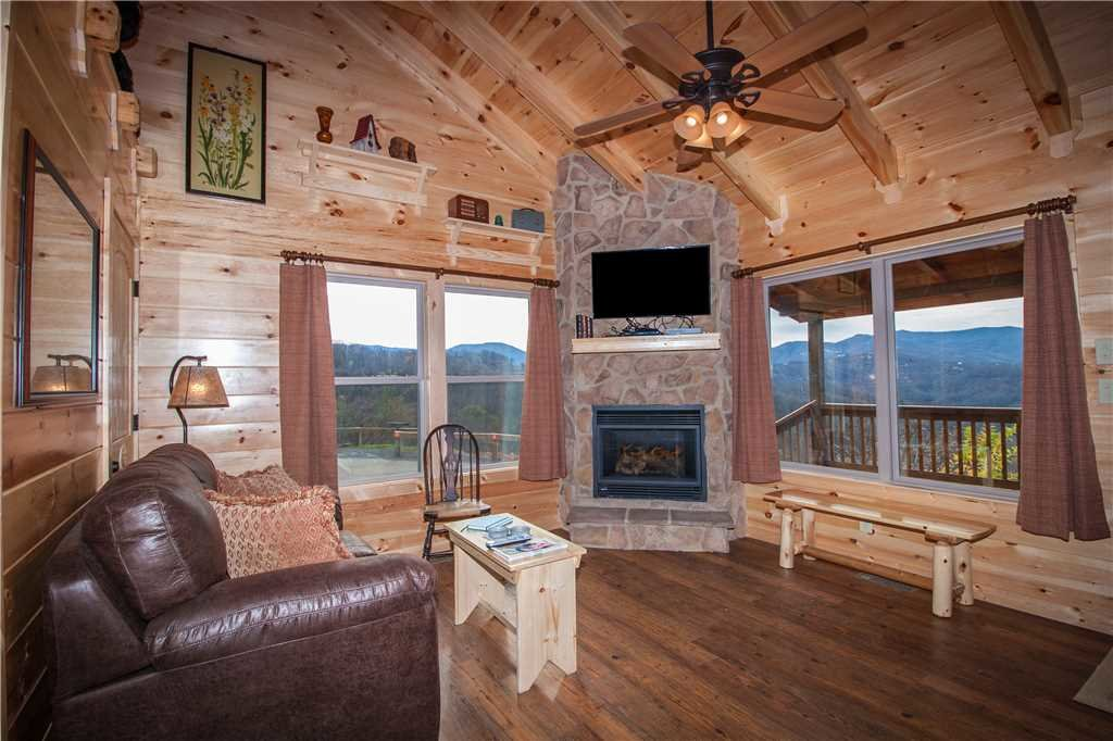 Photo of a Gatlinburg Cabin named Journey's End 2 - This is the fourth photo in the set.