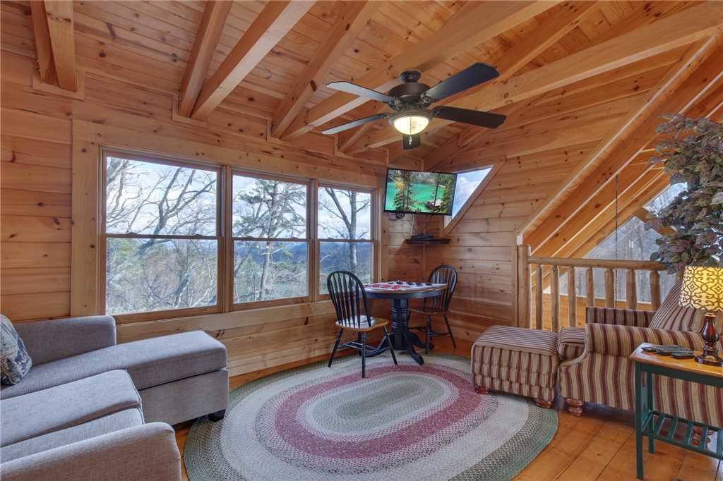 Photo of a Sevierville Cabin named Clear Blue Morning - This is the eighteenth photo in the set.