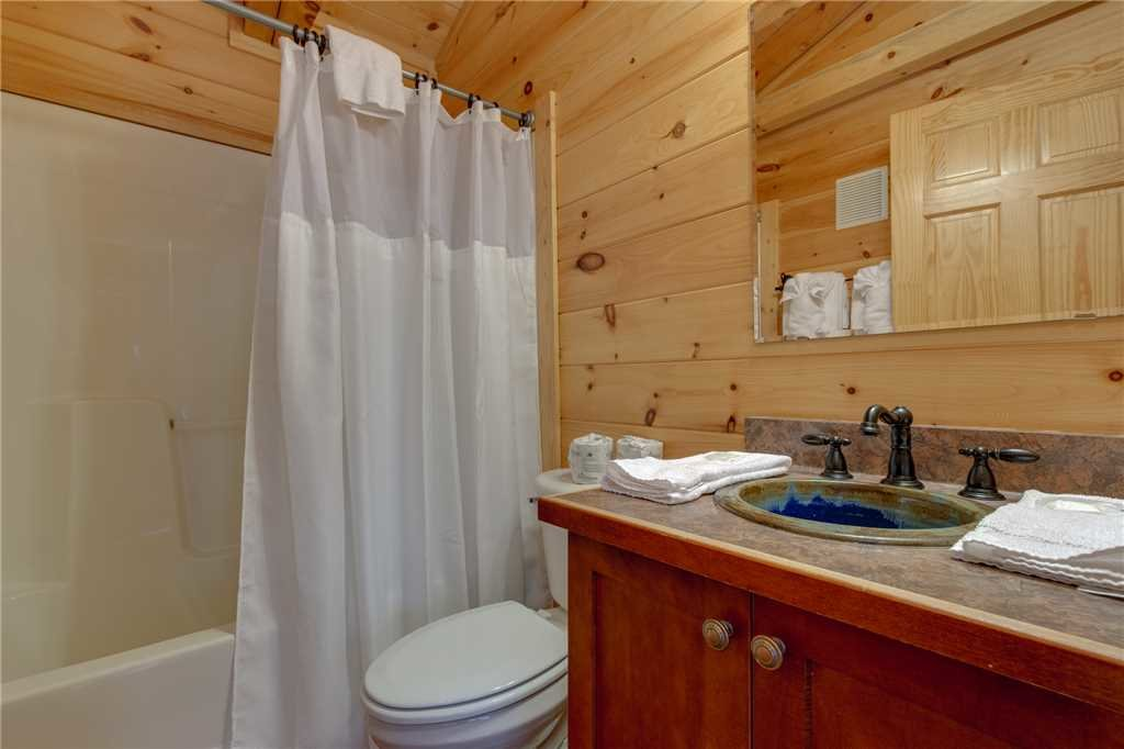 Photo of a Sevierville Cabin named Clear Blue Morning - This is the twenty-third photo in the set.