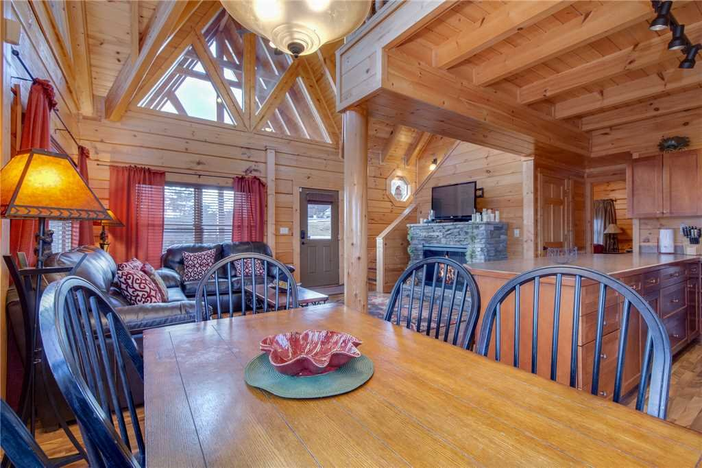 Photo of a Sevierville Cabin named Clear Blue Morning - This is the sixth photo in the set.