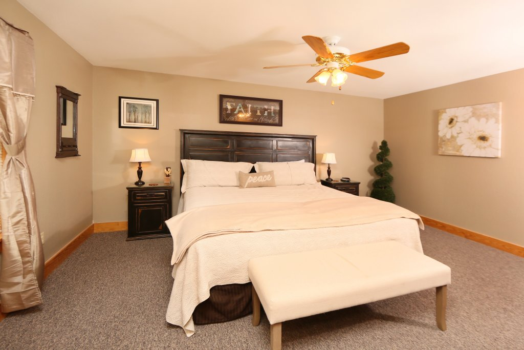 Photo of a Pigeon Forge Cabin named Pinnacle View 7a - This is the sixteenth photo in the set.