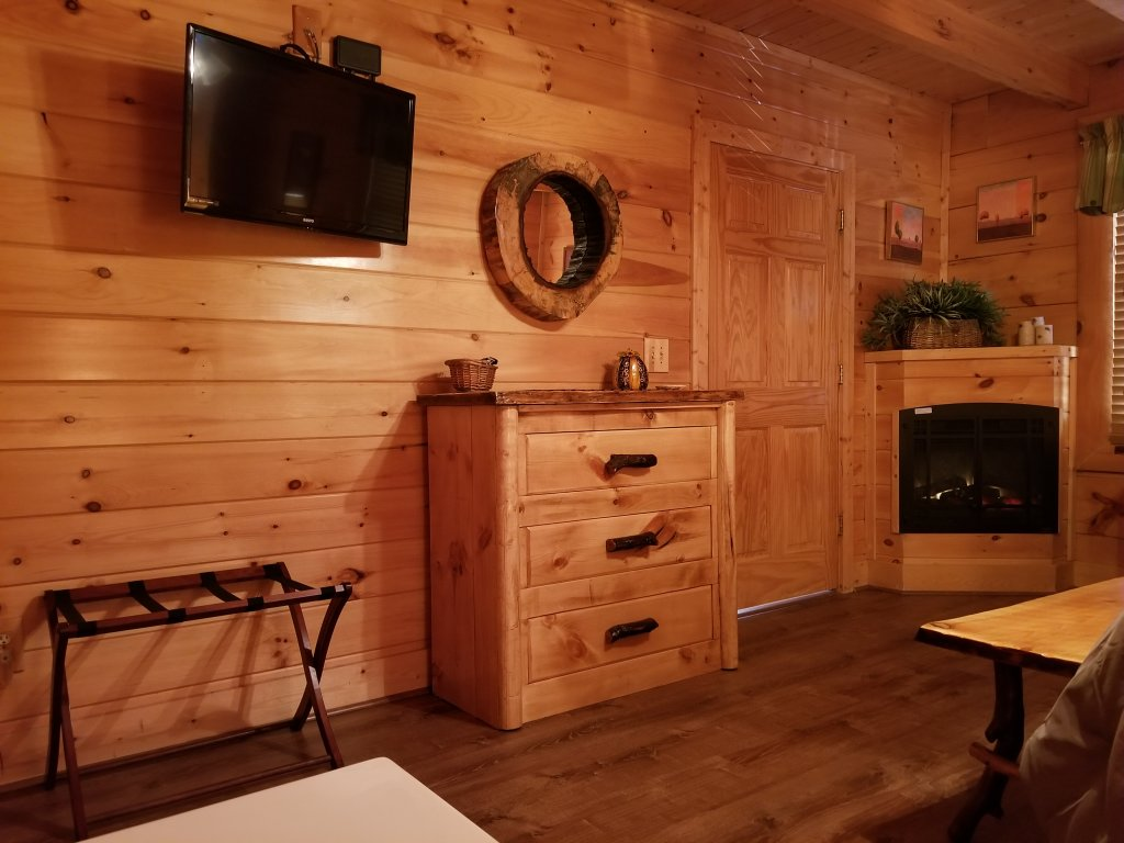 Photo of a Sevierville Cabin named Mountain Fun - This is the thirteenth photo in the set.
