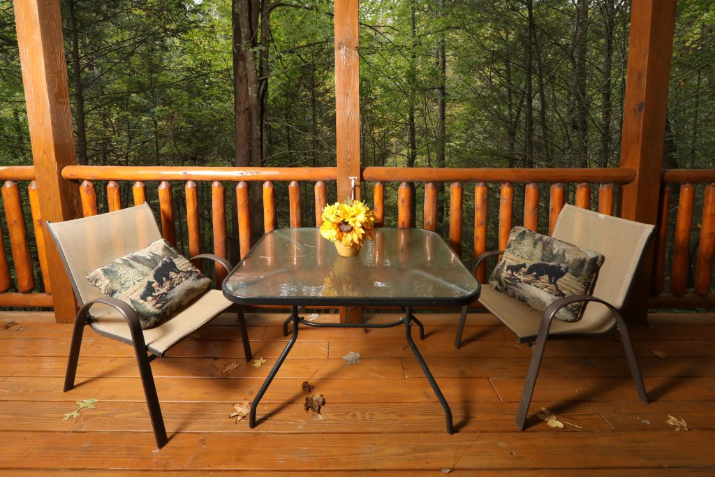Photo of a Sevierville Cabin named Smoky Bear Manor - This is the ninth photo in the set.