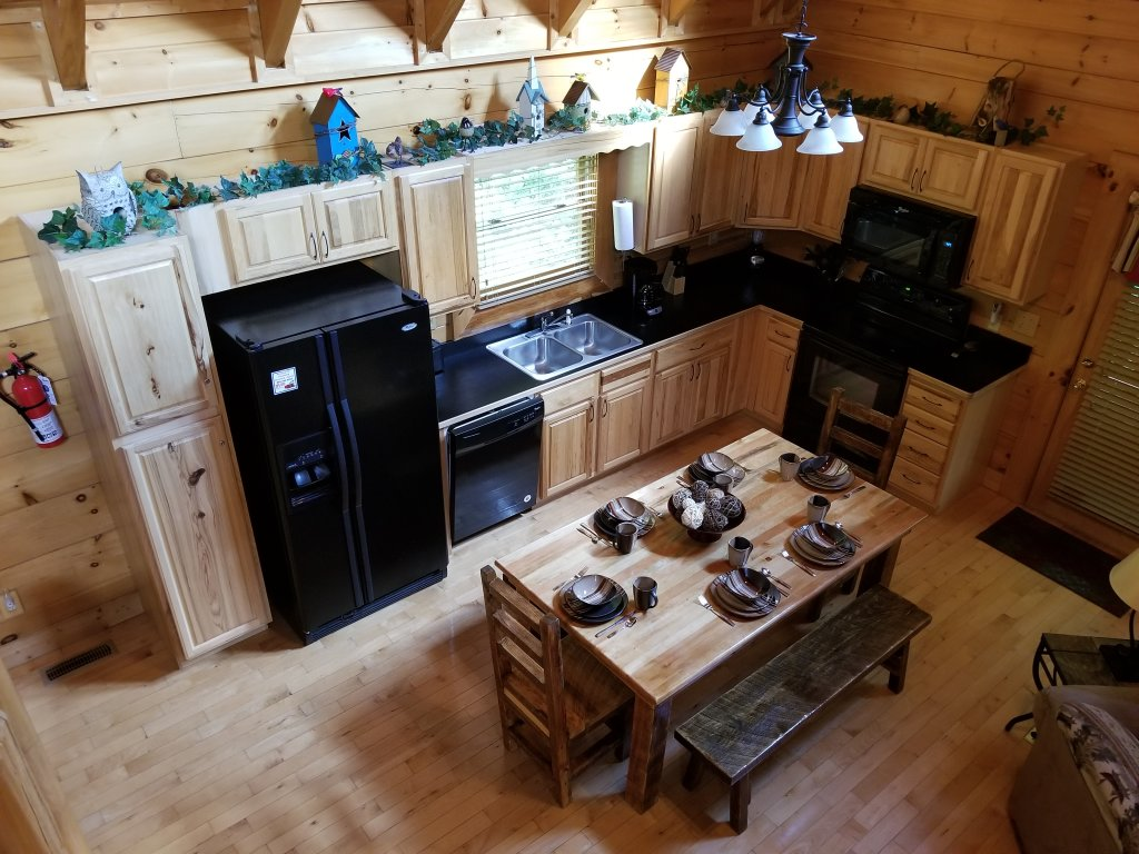 Photo of a Sevierville Cabin named Mountain Fun - This is the twenty-second photo in the set.