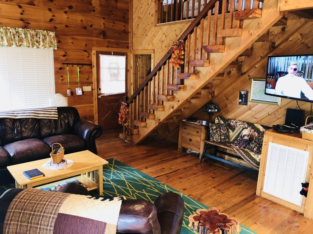 Photo of a Sevierville Cabin named On Mountain Time - This is the twenty-first photo in the set.