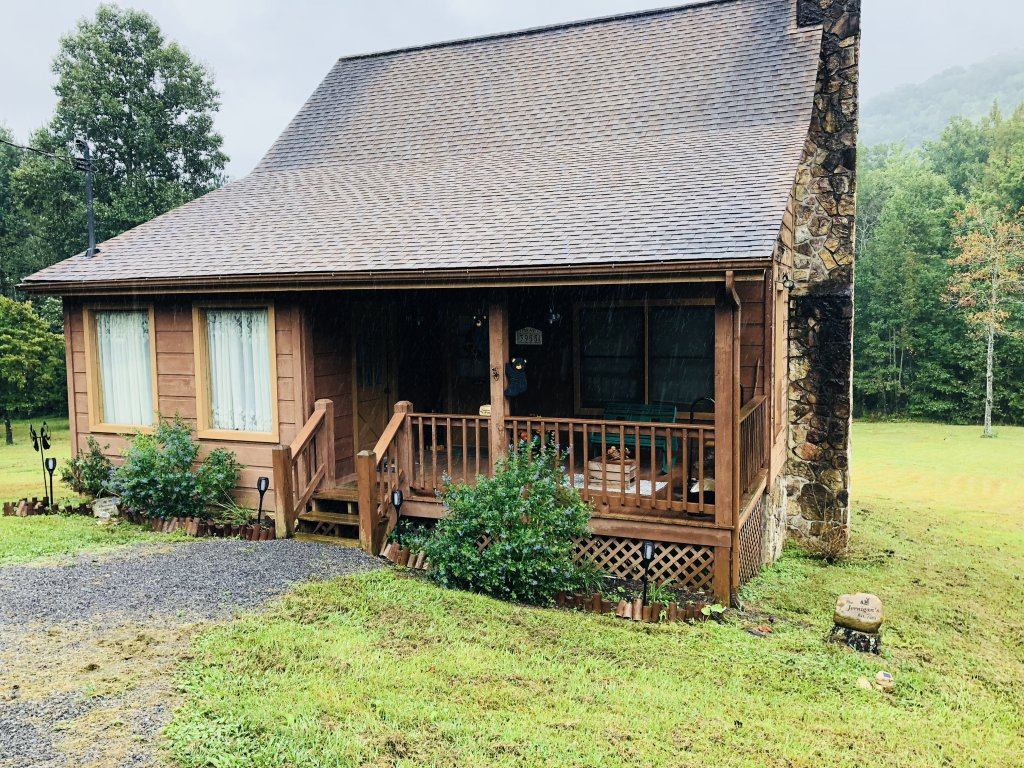 Photo of a Sevierville Cabin named On Mountain Time - This is the eighteenth photo in the set.
