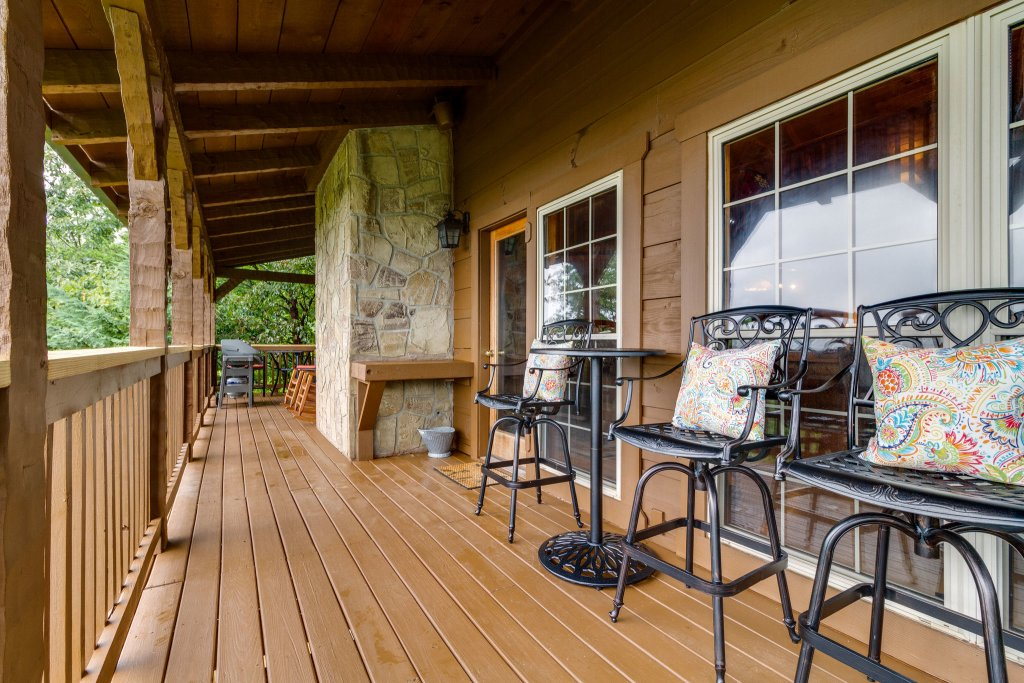 Photo of a Sevierville Cabin named Kickin' Back Jack - This is the fourteenth photo in the set.