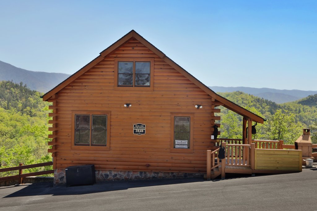 Photo of a Sevierville Cabin named Bear-a-dise In The Smokies - This is the eighteenth photo in the set.