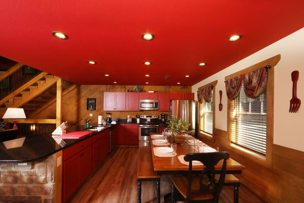 Photo of a Gatlinburg Cabin named Splash Mansion - This is the fortieth photo in the set.