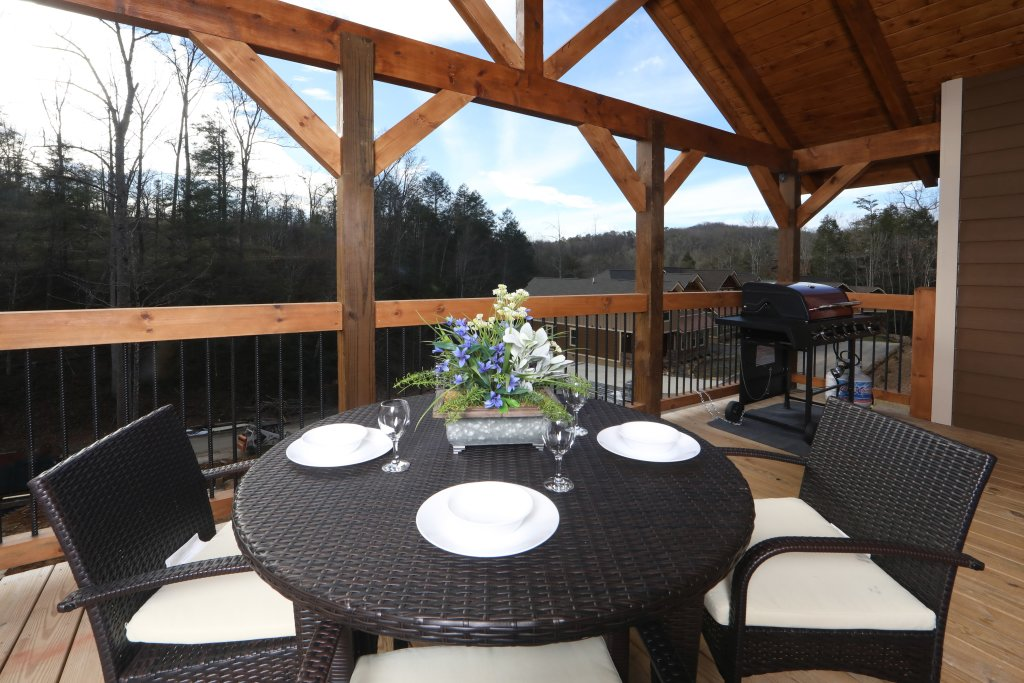 Photo of a Gatlinburg Cabin named Aqua Paradise - This is the seventh photo in the set.