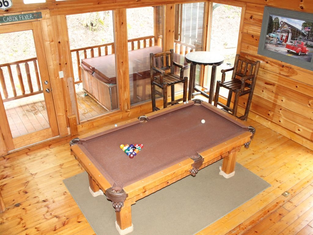 Photo of a Pigeon Forge Cabin named Creekside Dreams - This is the eighteenth photo in the set.