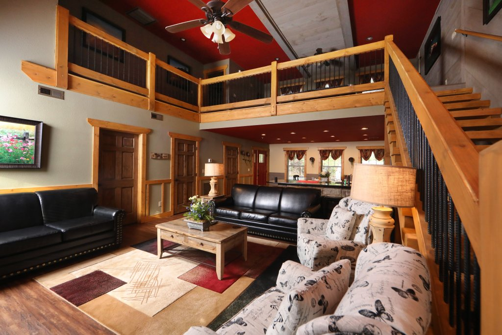 Photo of a Gatlinburg Cabin named Aqua Paradise - This is the twelfth photo in the set.