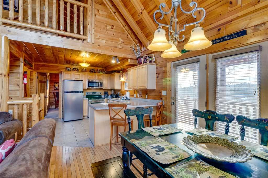 Photo of a Pigeon Forge Cabin named Valley Vista - This is the ninth photo in the set.