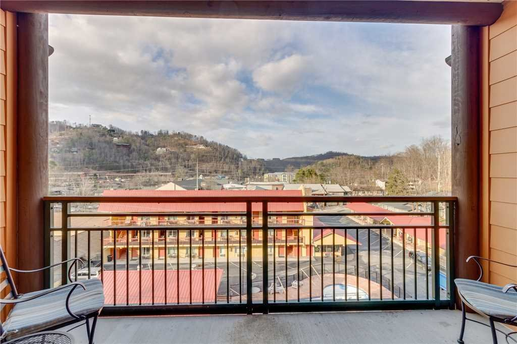 Photo of a Gatlinburg Condo named Baskins Creek 305 - This is the thirty-second photo in the set.
