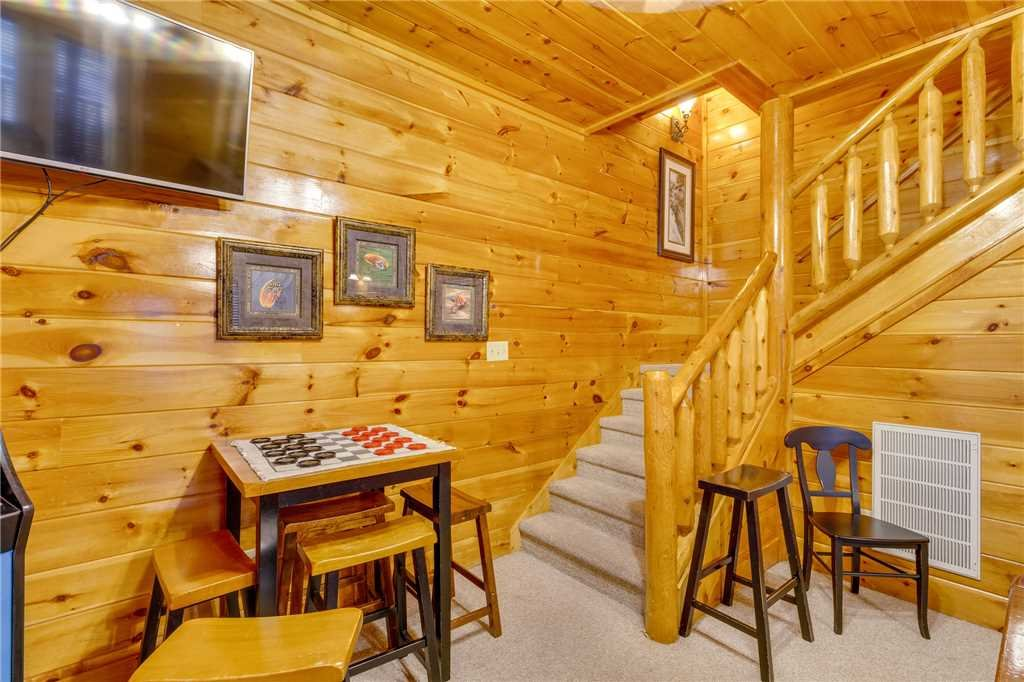 Photo of a Pigeon Forge Cabin named Valley Vista - This is the thirtieth photo in the set.
