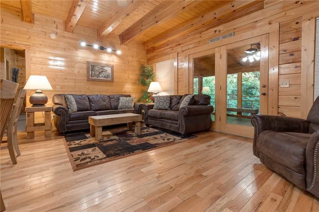 Photo of a Pigeon Forge Cabin named Water's Edge Retreat - This is the sixth photo in the set.