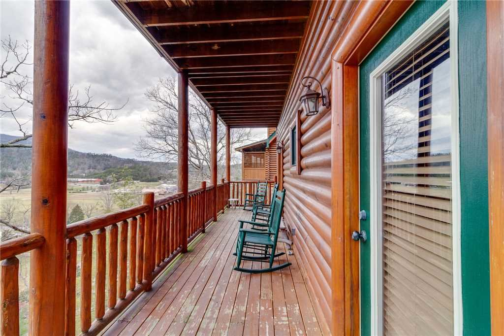 Photo of a Pigeon Forge Cabin named Valley Vista - This is the forty-first photo in the set.